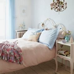 Shabby chic bedroom | Country decorating - http://ideasforho.me/shabby-chic-bedroom-country-decorating/ -  #home decor #design #home decor ideas #living room #bedroom #kitchen #bathroom #interior ideas