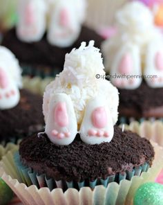 Bunny butt cupcakes! These are just too cute.