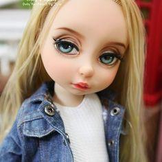 #disneybabydollrapunzel #disney #rapunzel #babydollrapunzel #babydoll #doll #dollcustom #princessdoll  #디즈니베이비돌라푼젤 #베이비돌라푼젤 #dollstagram #dolls #Animatorsdoll Disney Princess Dolls, Disney Dolls, Ooak Dolls, Art Dolls, Disney Animator Doll, Be, Honey Bunny, Doll Repaint, Collector Dolls