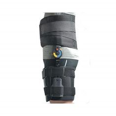 Orthomen ROM Post Op Hip Abduction Brace Universal Left *** Click image for more details. (This is an affiliate link) Hip Dislocation, Plantar Fasciitis Night Splint, Hip Brace, Hinged Knee Brace, Hip Pain Relief, Hip Injuries, Walker Boots, Ankle Surgery, Ankle Pain