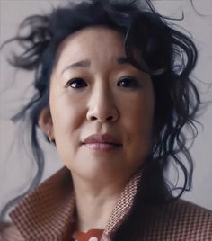 Sandra Oh, Cristina Yang, Jodie Comer, Favorite Person, How To Fall Asleep, Curls, Girl Fashion, Celebs, Lady