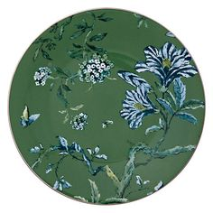Entertain, gather, and turn your house into a home that's undeniably yours with the Jasper Conran Chinoiserie Green Luncheon Plate by Wedgwood. Green Plates, Jasper Conran, Eclectic Living Room, Solid Background, Side Plates, China Dinnerware, Wedgwood, How To Take Photos, Chinoiserie