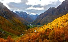 Autumn at beautiful Stryn in Western Norway. http://www.nordfjord.no/