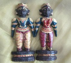 Traditional Indian dolls (marapachi)