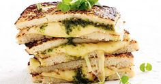 Healthy never looked so good, thanks to this easy cheesy cauliflower toastie with no bread.