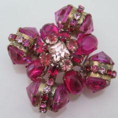 Vintage-Schreiner-Pink-Red-Rhinestone-Reverse-Inverted-Glass-Brooch-Pin