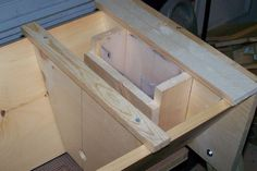 Simple to make Top Bar Hive Feeder