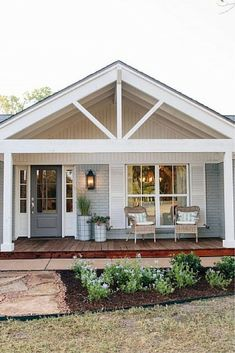 Cool 48 Great Front Porch Addition Ranch Remodeling Ideas. More at https://homenimalist.com/2018/06/02/48-great-front-porch-addition-ranch-remodeling-ideas/