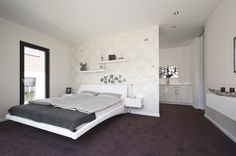 #bungalow #groundlevel #ebenerdig #barrierefrei #bedroom High Class Bedroom  With Walk