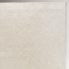 Ivory Classic Carved Wool Rug