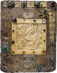 Gospel Book with ivory relief from the Halberstadt cathedral treasury, 10th century, photo: Juraj Lipták, Landesamt für Denkmalpflege und Archäologie Sachsen-Anhalt