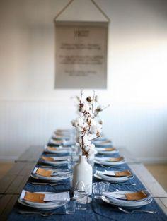 Katoentakken en een marineblauw tafelkleed: geen verkeerde combi   ELLE Decoration NL