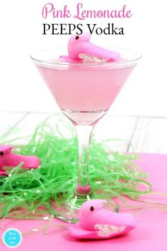 Peeps Recipes: Pink Lemonade Peeps Vodka for a delicious Easter Cocktail! #peeps #vodka #easter #cocktails #alcohol #recipes #recipe #peepsvodka