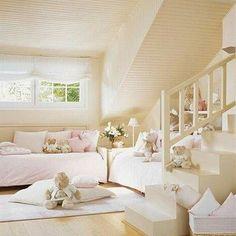 Habitación para dos con camitas en L. Dependiendo de la habitación  es una solución ideal para aprovechar el espacio. Buenas noches!! Habitación de @piccolomondo.es. .... ..... ..... ..... ..... ..... #interiorismo #decoracioninfantil #decoracion #habitacionesinfantiles #deco #habitacionjuvenil #kidsroom #kids #nursery #babyroom #babyrooms #barnrum #barnerom #childrensinteriors #childrensinteriordesign #kidsinterior #ideasdeco #espaciosinfantiles #ideasqueinspiran #inspiracion #inspo