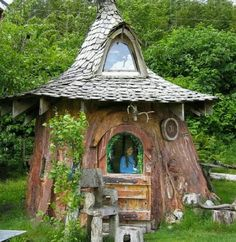 hobbit and gnome houses | via virginia bates