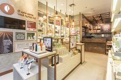 Kapeh store by Estúdio Jacarandá, Varginha – Brazil – agosnesrerose