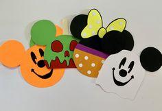 Disney Halloween Cruise, Disney Cruise Door, Mickey Halloween, Halloween Birthday, Halloween Door Decs, Disney Halloween Decorations, Disney Theme, Disney Diy, Cubby Tags