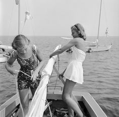 I'm on a boat --Image by Orlando/Hulton Archive / Getty Images