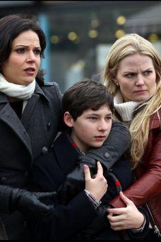Once upon a time  - Jennifer Morrison - Emma Swan - OUAT - Lana Parrilla - Regina Mills - Evil Queen - Swan Queen