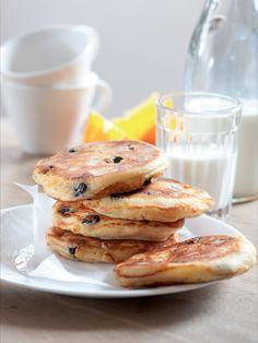 V redakci se už dlouhodobě honíme za receptem na lívance bez droždí, které by byly nadýchané a zároveň pevné. A tohle je náš favorit! Ricotta, Pancakes, Breakfast, Recipes, Food, Morning Coffee, Recipies, Essen, Pancake