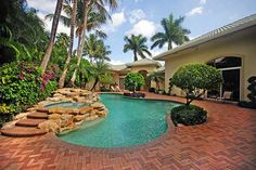 ◉ pinned from http://www.waterfront-properties.com/pbgballenisles.php ◉