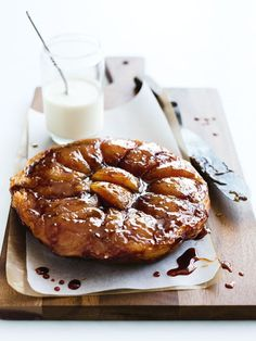 basic tarte tatin Donna Hay Uses frozen puff pastry. Tart Recipes, Apple Recipes, Sweet Recipes, Cooking Recipes, Pastry Recipes, French Desserts, Köstliche Desserts, Dessert Recipes, Sweet Pie