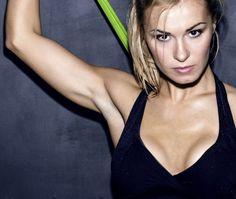 10 exercices pour faire augmenter le volume de votre poitrine grâce au sport - Cosmopolitan.fr
