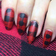 Buffalo check plaid nail art.  Hand painted, free hand Fall and Autumn nails.