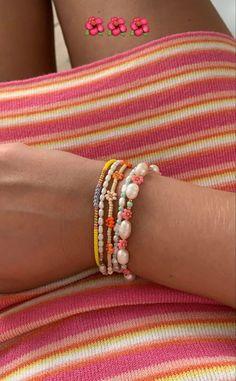 Bead Jewellery, Beaded Jewelry, Jewelery, Handmade Jewelry, Beaded Bracelets, Jewellery Bracelets, Trendy Bracelets, Necklaces, Trendy Jewelry