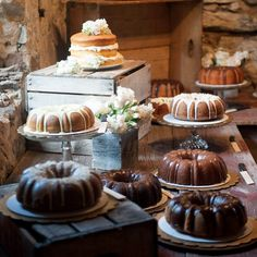 Cowgirl Bridal Shower Ideas - bundt cake dessert table That& a nice cake buffet idea ? Cake Bars, Dessert Bars, Dessert Tables, Wedding Sweets, Wedding Cakes, Cupcakes, Cowgirl Wedding, Rustic Wedding, Table Wedding