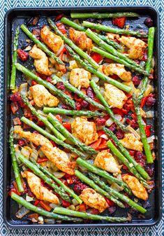 Sheet Pan Chicken Chorizo & Asparagus | Paleo, Gluten-free, Low-Carb, Whole30 #sheetpan #sheetpandinners #chicken #paleo #chorizo
