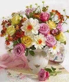Marianna Lokshina - Bouquet in vase ✨ ʈɦҽ ƥᎧɲɖ ❤ﻸ Beautiful Rose Flowers, Beautiful Flower Arrangements, My Flower, Colorful Flowers, Floral Arrangements, Beautiful Flowers, Ikebana, Bouquet Champetre, Good Morning Roses