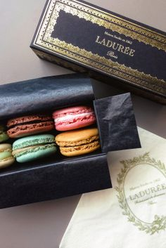 Macarons from Laduree Paris - Best place for Macarons in France / Food Packaging, Packaging Design, Cookie Packaging, Packaging Ideas, Laduree Paris, French Macaroons, Just Desserts, Paris France, Sweet Treats