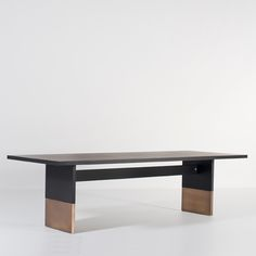 Design and bespoke oak furniture, handcrafted in the Netherlands. Luxury Dining Tables, Dining Table Chairs, Table Desk, Wood Table, Dining Rooms, Zen Furniture, Furniture Design, Latest Door Designs, Architecture