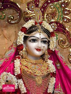 Radha Krishna Temple, Krishna Statue, Radha Krishna Photo, Shree Krishna, Krishna Mantra, Krishna Art, Radhe Krishna Wallpapers, Lord Krishna Wallpapers, Lord Krishna Images