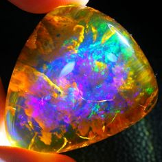 Easily find and navigate to the exact type of opal you are interested in. From Black Opal to Yowah, we have individual categories. Minerals And Gemstones, Rocks And Minerals, Rough Opal, Mineral Stone, No Photoshop, Rocks And Gems, Stones And Crystals, Gem Stones, Belleza Natural