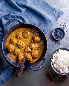 Food Fare: South African Food with Flaire - Zola Nene - Sawubona Magazine Jamaican Recipes, Curry Recipes, Dinner For 2, Dutch Oven Recipes, Mexican Food Recipes, Ethnic Recipes, South African Recipes, Cast Iron Cooking, Food Trends
