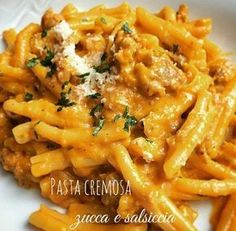 Pasta cremosa alla zucca e salsiccia - Cremige Nudeln Sausage Recipes, Pasta Recipes, Cooking Recipes, Healthy Recipes, Pasta Cremosa, Sausage Pasta, Creamy Pasta, Italian Pasta, Polenta
