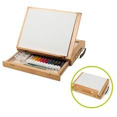 Ce kit est un chevalet de peinture en bois contenant le matériel nécessaire pour que l'enfant découvre la peinture acrylique. Ce chevalet permet aussi de ranger et de transporter une toile, des pinceaux et 12 tubes de peinture. Le jeune artiste peint où il le souhaite. Il installe son chevalet chez lui ou à l'extérieur.