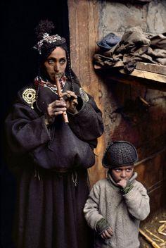 PAKISTAN. Portraits. 1981. Kalash people. By Steve McCurry.