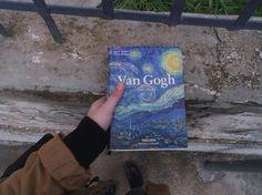Imagem de van gogh, art, and book Vincent Van Gogh, Van Gogh Libro, Arte Van Gogh, Art Hoe Aesthetic, Amy Pond Aesthetic, Soft Grunge, Oeuvre D'art, Gravity Falls, Book Worms