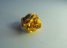 Mooie geel- gouden rozen ring. Echt een schitterende ring!  Maat 16,5