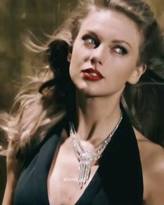 Taylor Swift Music, Taylor Swift Videos, Taylor Alison Swift, Barbie, Swift Photo, Classy Dress, Funny Films, Divas, Musicians