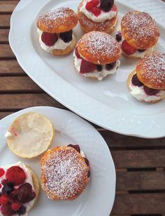 Les receptes que m'agraden: Pastissets de nata i fruits vermells - Pastelitos de nata y frutos rojos
