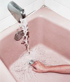 Imagem de pink, water, and bath