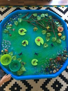 Small world pond tuff tray Small world tuff tray eyfs early years imaginative play frogspawn tadpole frogs lillypad minibeast sensory messy play Eyfs Activities, Nursery Activities, Spring Activities, Preschool Activities, Preschool Kindergarten, Tuff Spot, Sensory Table, Sensory Bins, Sensory Play