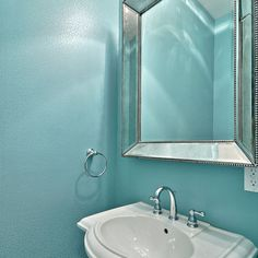 Turquoise wall color for bathroom