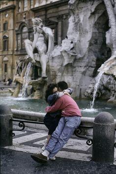 So-Italy SottyMagazine  L'Italia degli anni Ottanta Rome, Italy| Steve McCurry