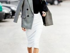 tenue-vestimentaire-au-travail-classique-style-look-chic-en-gris-et-noir Look Chic, Coat, Jackets, Fashion, Gray, Classy Style Outfits, Dress Attire, Classic, Desk
