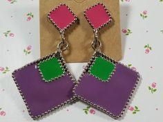 1960s Looks, Magenta, Purple, Upcycled Crafts, Twiggy, Craft Items, Vintage Earrings, Ear Piercings, Dangle Earrings